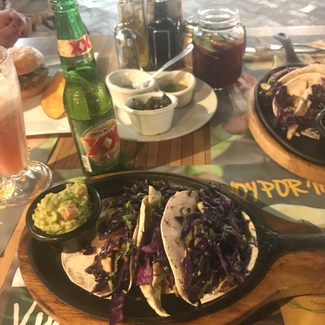 100% natural Playa del Carmen - Tacos de pollo y col morada