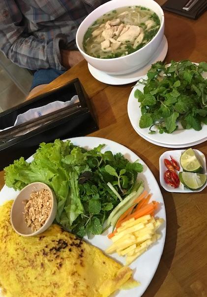 Hong Hoai - Pho soup and Ban Xao